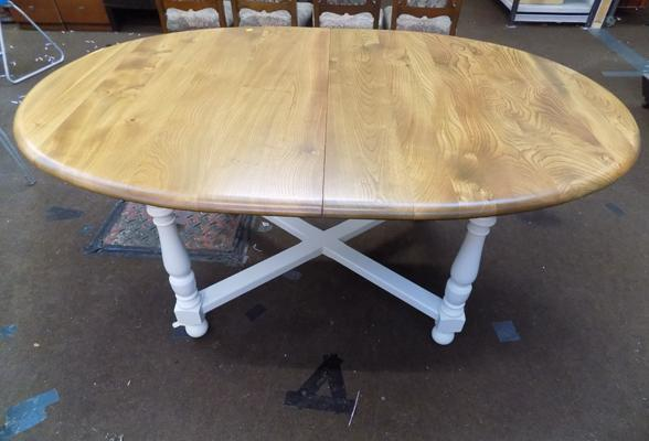 Ercol 10 seater oval table