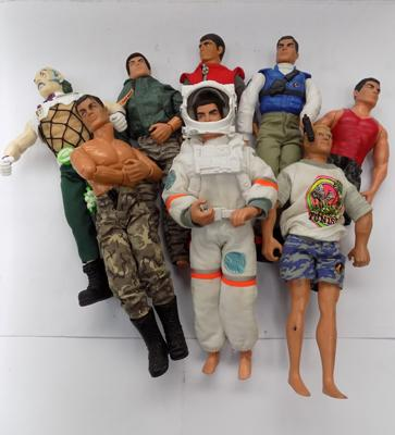 Box of assorted Action Men figures