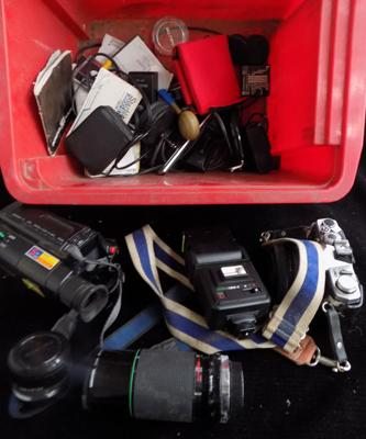 Video and camera accessories incl. filters, lenses and flash guns