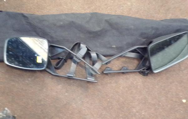 Pair of extending towing mirrors with bag & 1 other