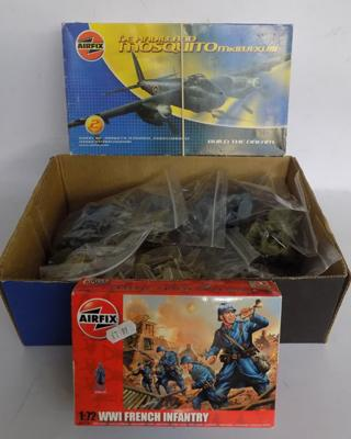 Airfix Mosquito/ Airfix French soldiers/ 100 x matchbox soldiers