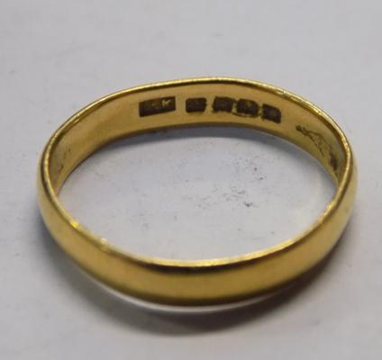 22ct gold ladies gold band, size L 1/2