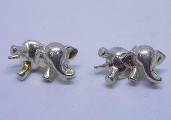 Pair of 925 silver articulated elephant earrings