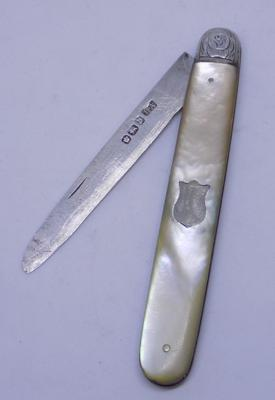 Victorian silver and mother of pearl fruit knife