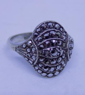Vintage 925 silver & marcasite ring, size K, no stones missing