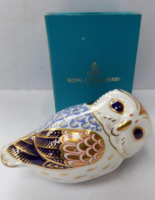 Royal Crown Derby owl in box with gold stopper