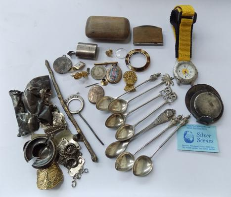 Collection of vintage collectables inc antique snuff box, bag of scrap silver, spoons etc