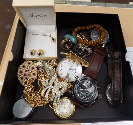 Vintage watches/brooches etc...