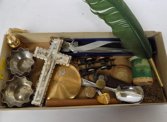 Tray of mixed collectables incl. vintage items