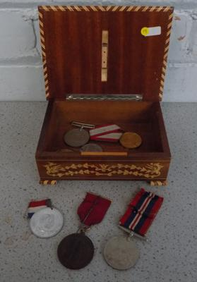 Selection of medals & medallions, incl. WWII defense medals