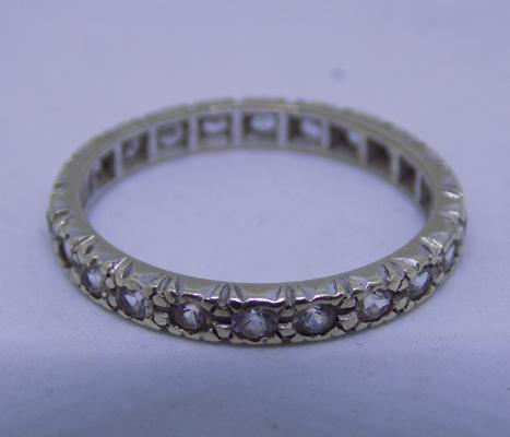 9ct gold full eternity ring, size Q