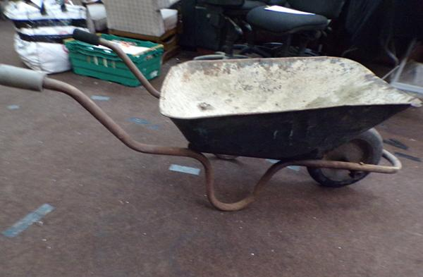 Wheelbarrow - hard solid tyre, no puncture type