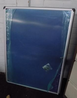 "46"" x 34"" new display case with keys"