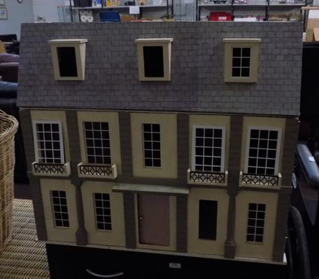 Large Victorian style dolls house