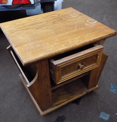 Solid oak wood side table/coffee table