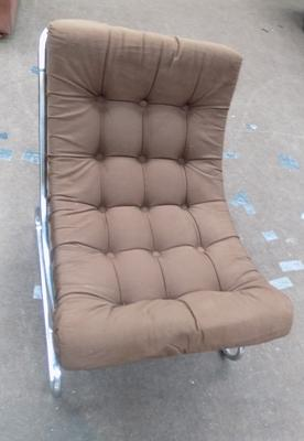 Retro style lounge chair