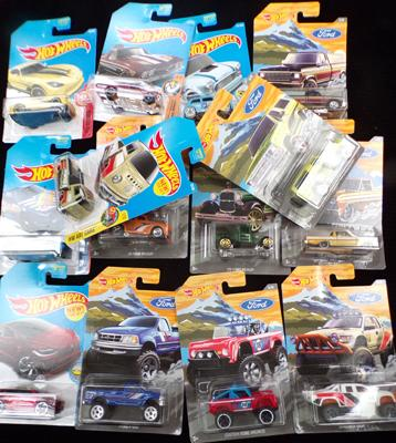 Box (14) of various Hot Wheels inc Ford & Muscle Mania