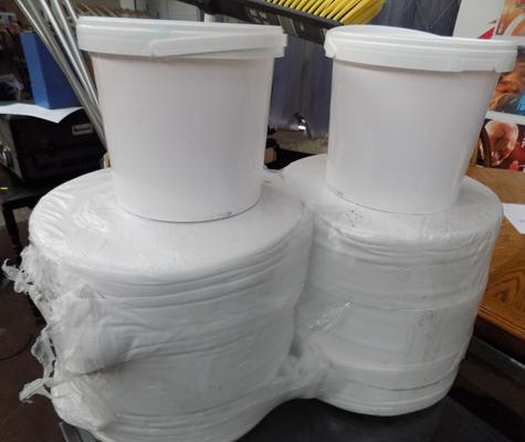 2 jumbo and 2 tubs of wet wipes