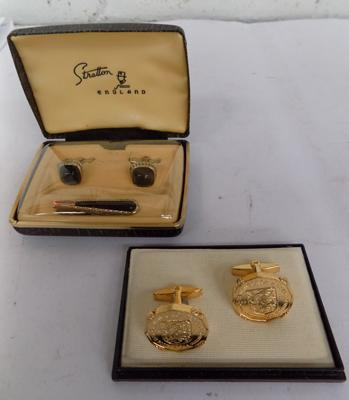 2 x pairs of vintage cufflinks in boxes, incl. Stratton
