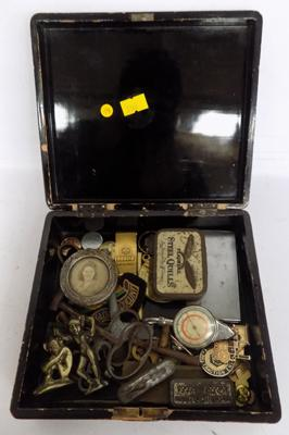 Small box of collectables