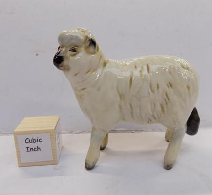 Beswick sheep No. 935, issued 1941-1971
