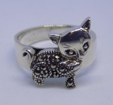 Silver & marcasite cat ring