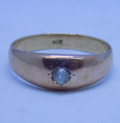 9ct rose gold gent's signet ring set with white stone size U1/2