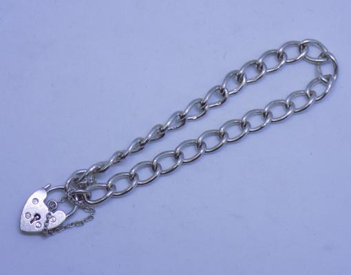 925 silver charm bracelet with heart lock and safety chain