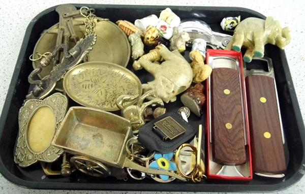 Tray of collectables inc brass, Whimsies etc