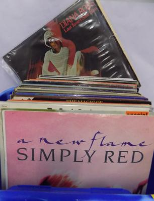 70 vinyl LPs - Diana Ross, Simply Red, some white lables etc...