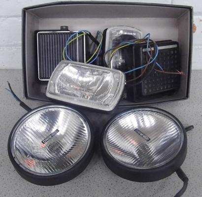 Four spot lamps & two speakers - all working