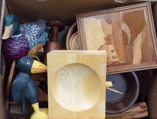 Selection of treen items incl. wooden duck
