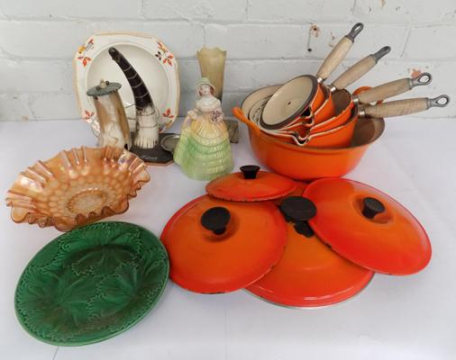 Box of 'Le Cruset' pans and other items incl. Meakin, Carnival Glam and horn