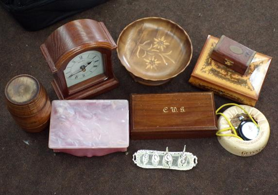 Selection of collectables incl. miniature tea set, Guinness etc.