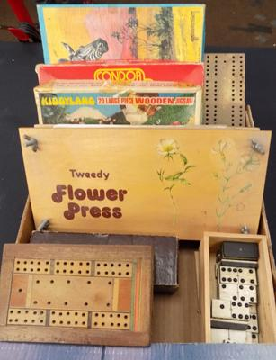 Selection of vintage games