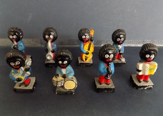 8 original Robertsons Golly band players