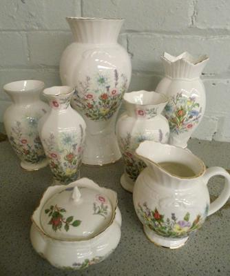 Seven pieces of 'Wild Tudor' Aynsley pottery