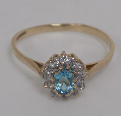 9ct Gold blue topaz cluster ring size S1/2