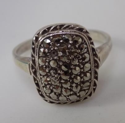 Vintage silver marcasite ring size L1/2
