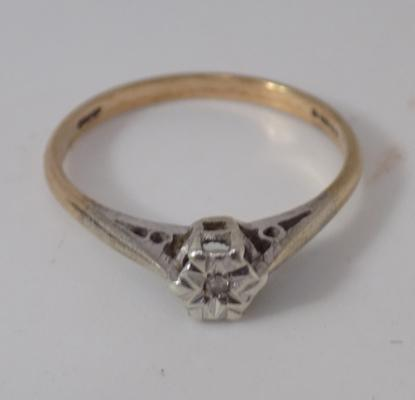 9ct Gold diamond solitaire ring size Q