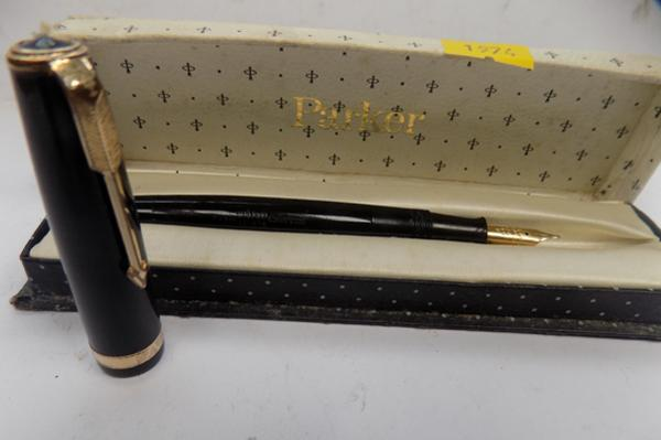 Parker Duofold pen with 14ct gold nib