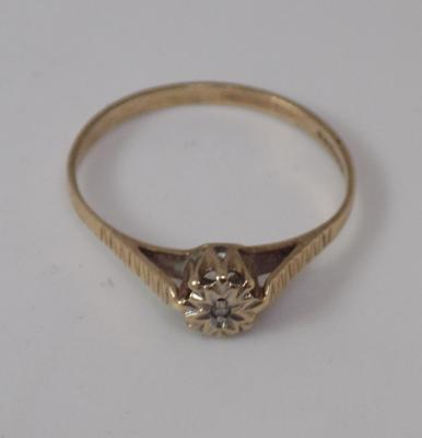 9ct Gold diamond solitaire ring size M1/2