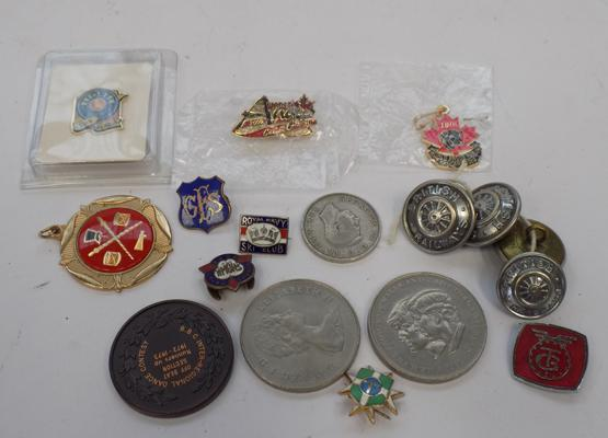 Selection of badges, coins & vintage British Rail tunic buttons