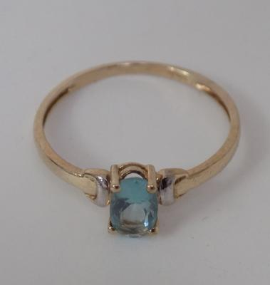 9ct Gold blue topaz solitaire ring size N