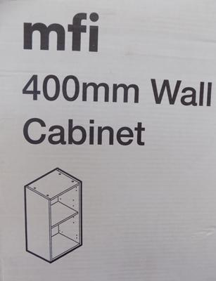 1x 400mm new boxed wall cabinet carcas (more available at matching hammer price)