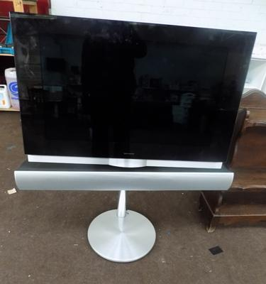 Bang & Olufsen BeoVision with built in DVD & soundbar on stand