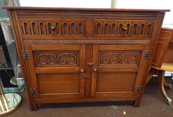 Old charm style sideboard