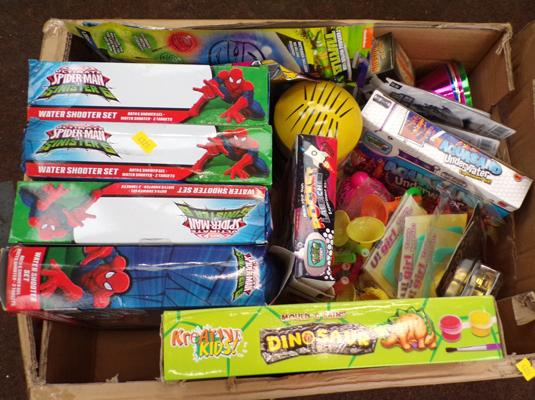 Box of mixed items, incl. Spiderman water shooter