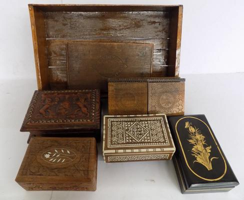 Box of treen/ wooden boxes