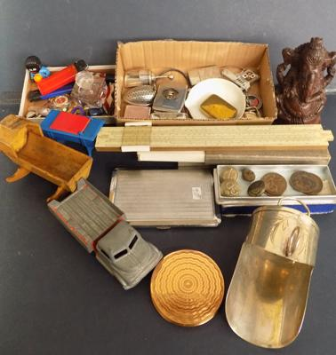 Collection of vintage collectables - vestas, pill boxes, jewellery- Stratton etc...